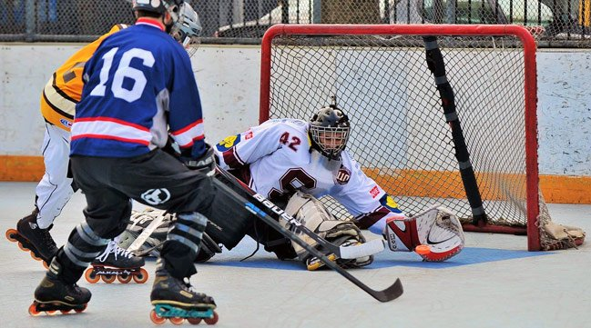 How to Be a Roller Hockey Goalie