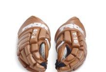 Tron T-10 hockey gloves